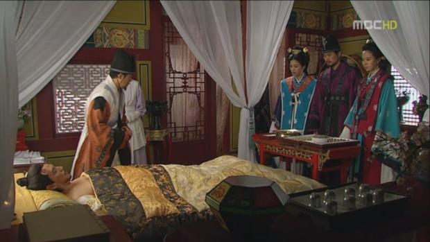 امپراطور اویجا در کما